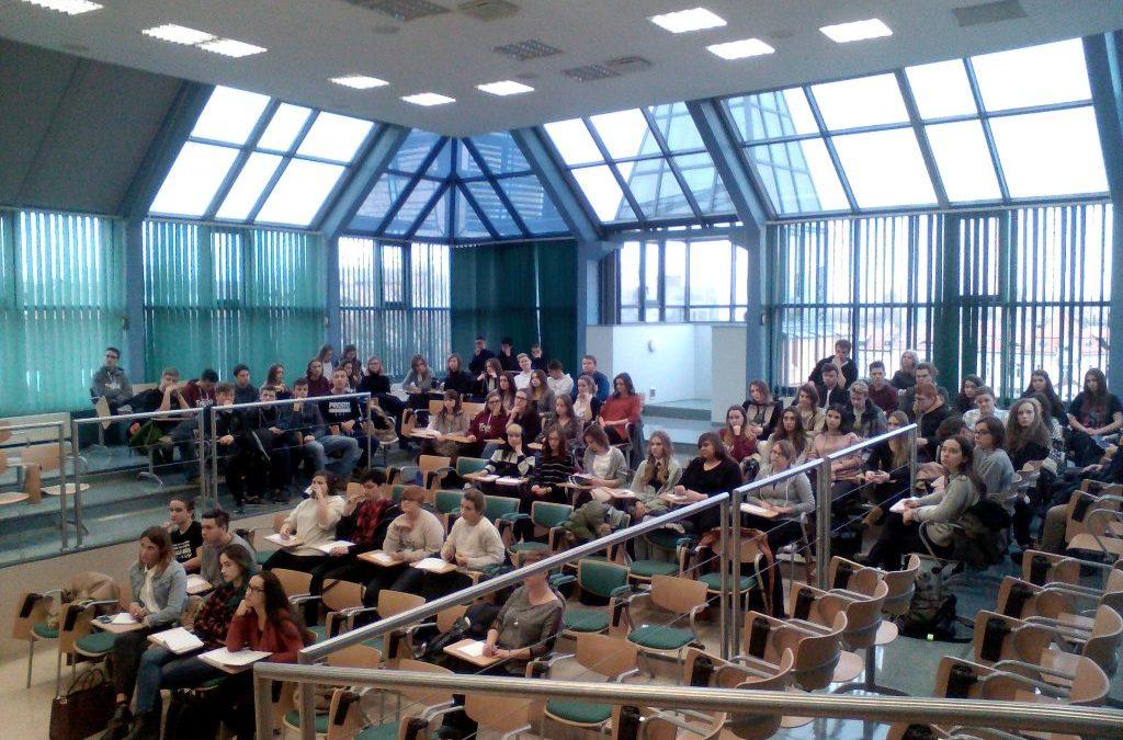Uwaga maturzyści, darmowy kurs przygotowujący do matury z języka polskiego